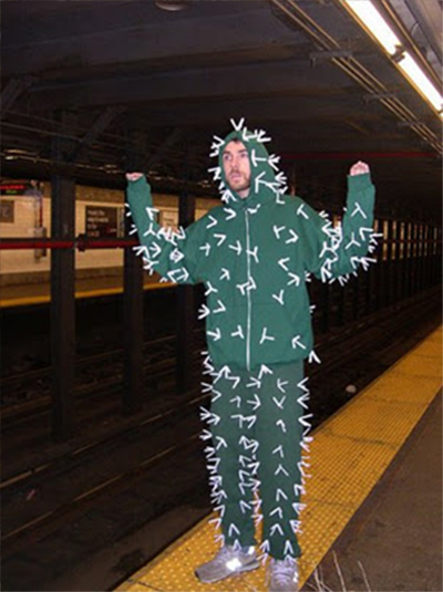 22 Funny and Easy Halloween Costume Ideas M2WdC3kT