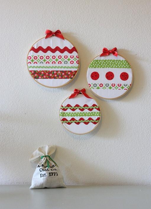 homemade holiday wall decoration